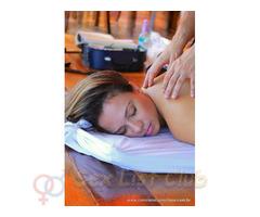 Terapeuta corporal pecho natural e trantrica